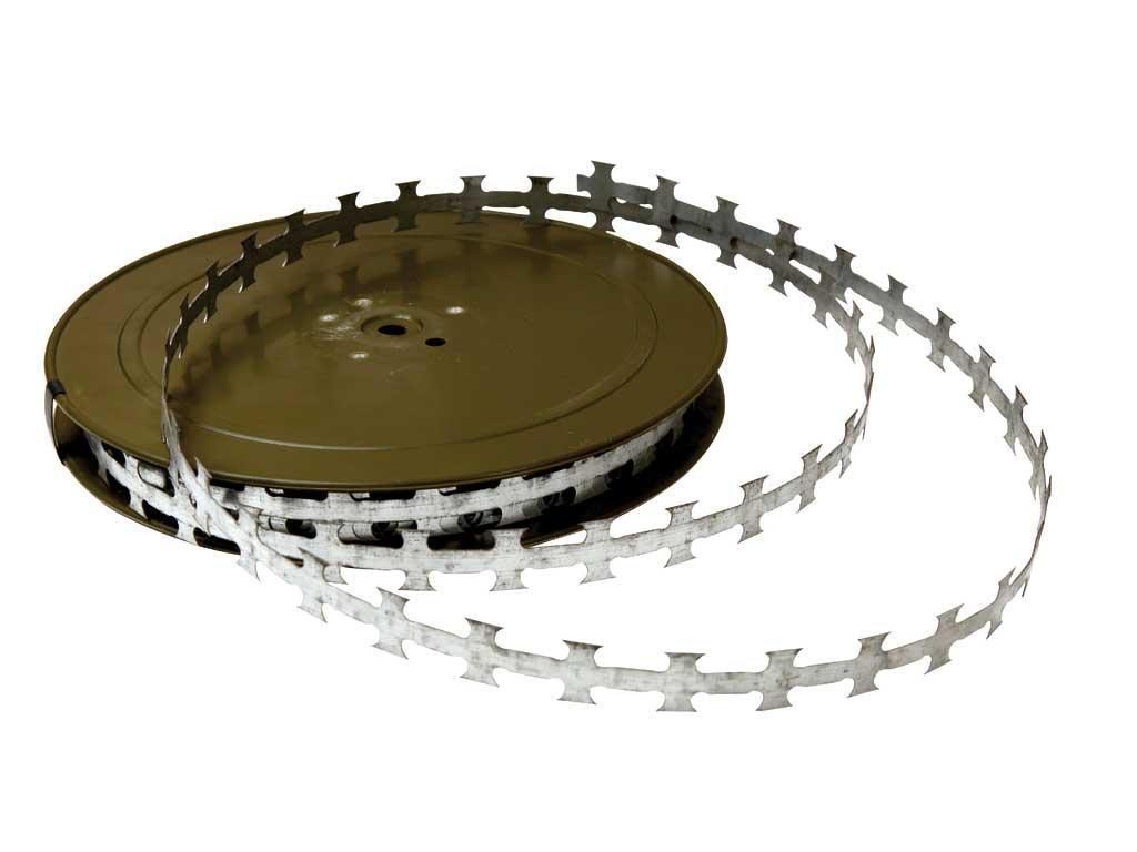 Žiletková páska Zn plochá 20mm, 50m (vzdálenost ostnů 25mm) 24Kg