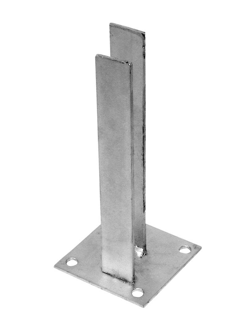 Patka Zn k montáži čtyřhranného sloupku na betonový základ 60x40mm 1,15Kg
